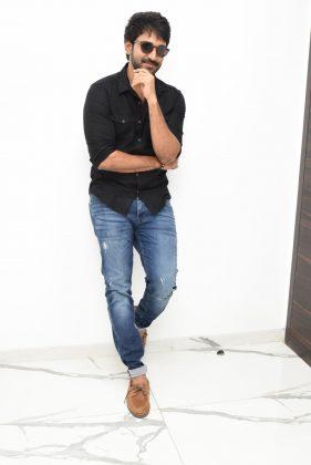 Aadhi Pinisetty Interview Photos (1)