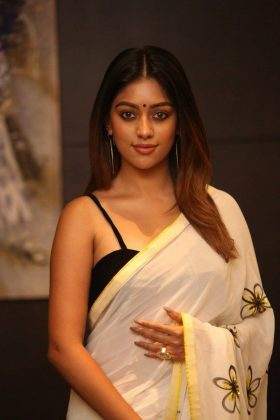Actress AnuEmmanuel Unseen Romantic Stills (4)