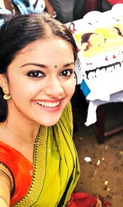 Keerthy Suresh Scintillating Smiley Photos (1)