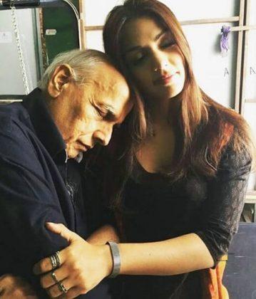 rhea chakraborty with mahesh bhatt