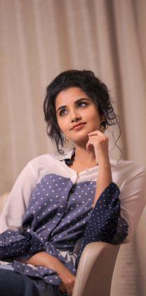 Actress Anupama Parameswaran New Stills