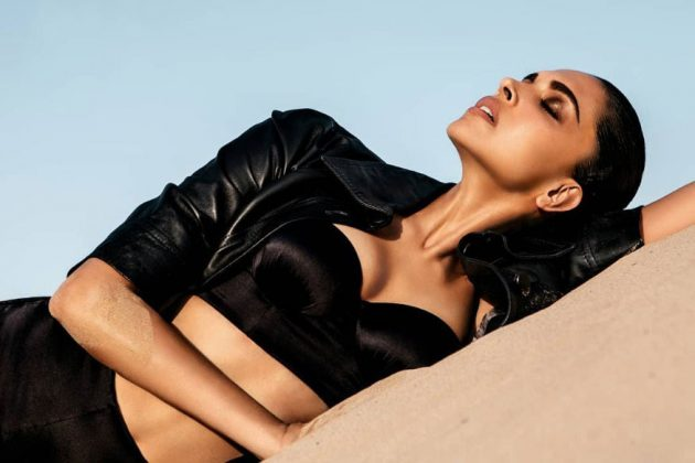 Deepika Padukone Sand Garnished Bikini Pics