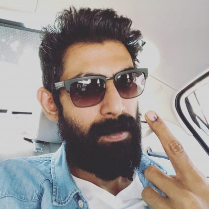 Tollywood Actors Casts His Vote Along With Family (15)