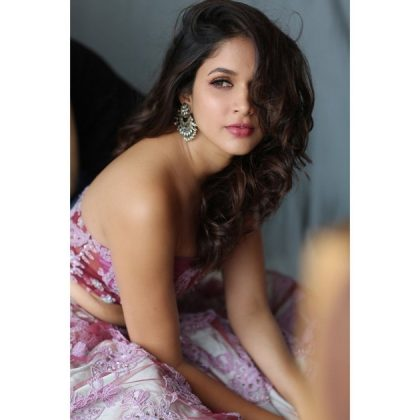 Lavanya Tripathi Arrow Glance Images