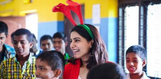 Samantha Celebrates Christmas with Children Photos