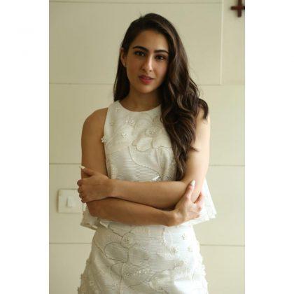 Sara Ali Khan Tempting Stills