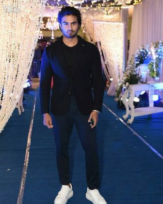 Sudheer Babu at Saina Nehwal Praupalli Kshayap Wedding Reception Photos (12)Sudheer Babu at Saina Nehwal Praupalli Kshayap Wedding Reception Photos (12)